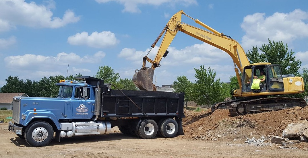Rob's Trucking commercial construction debris hauling
